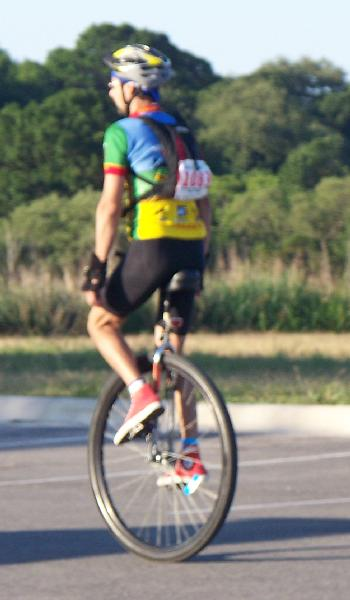 100_0655_Unicycle.JPG 27.5K